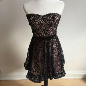 Alice and Olivia dress black blush sz S strapless